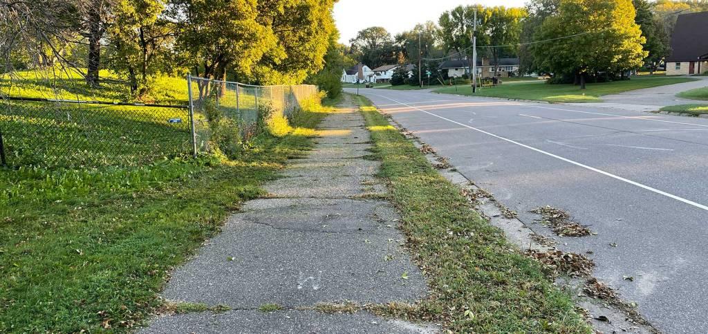 Oakdale trail in West St. Paul
